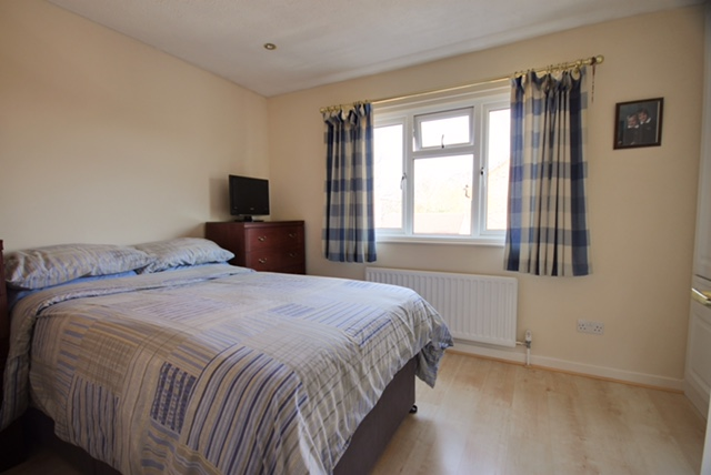 Double room to rent in Burgess Hill